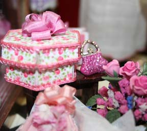 pink  floral hat box